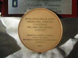 La medaglia che il Presidente della Repubblica Napolitano ha assegnato a Salvatore Cimmino in occasione del suo giro del mondo a nuoto